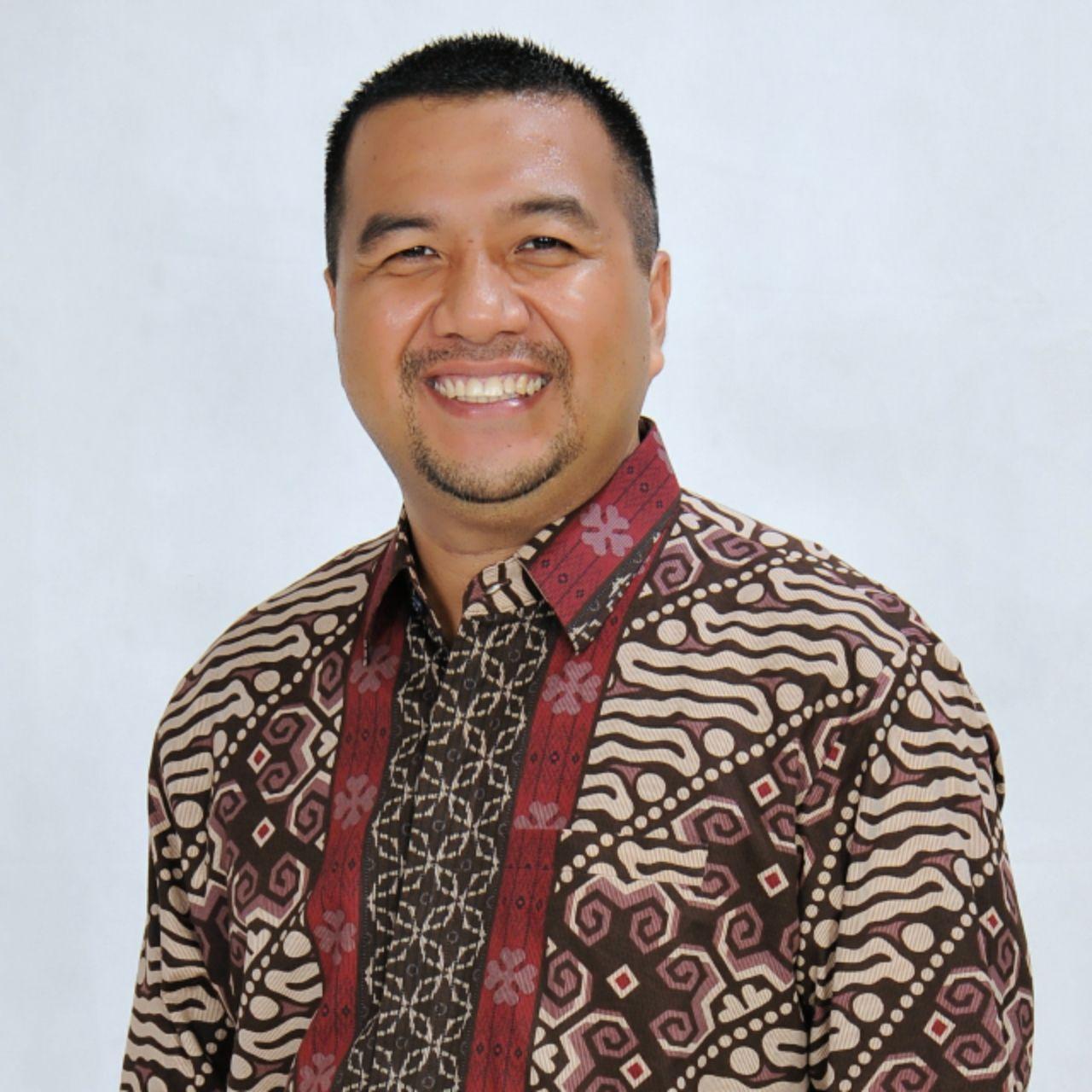 Aksan Jaya Putra, B. Bus Terpilih Sebagai Ketua Alumni  Angkatan 97 SMANSA Kendari